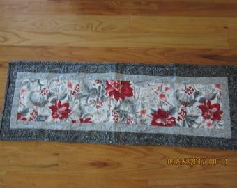 Quilted Table Topper, Quilted Table Runner, Quilted Table Centerpiece, Quilted Christmas Runner, Quilted Red, Black, Silver Runner