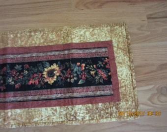 Quilted Table Runner, Quilted Table Topper, Quilted Fall Table Topper, Quilted Thanksgiving Table Runner, Quilted Table Runner, Fall Runner