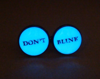 Don't Blink Cufflinks / Dr Who Cufflinks / Glowing Cufflinks / Doctor Who / Gift Boyfriend / Handmade Cufflinks / Men Accessories / Glowing