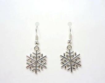 Silver Snowflake Earrings / Christmas Earrings / Simple Earrings / Christmas Gift / Drop Earrings / Snowflake Jewellery / Stocking Filler