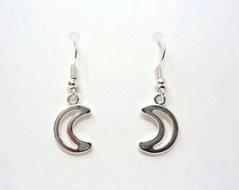 Little Moon Earrings / Silver Moon Earrings / Simple Earrings / Girly Gift / Drop Earrings / Crescent Moon / Gift Under 5 / Stocking FIller