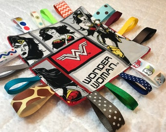 Wonder Woman Sensory Crinkle Tag Toy