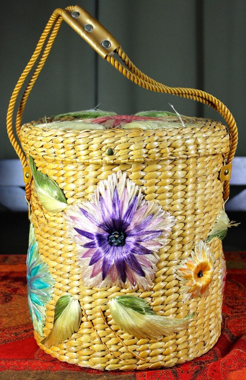 Large Circular Straw Flower Basket 1950/'s