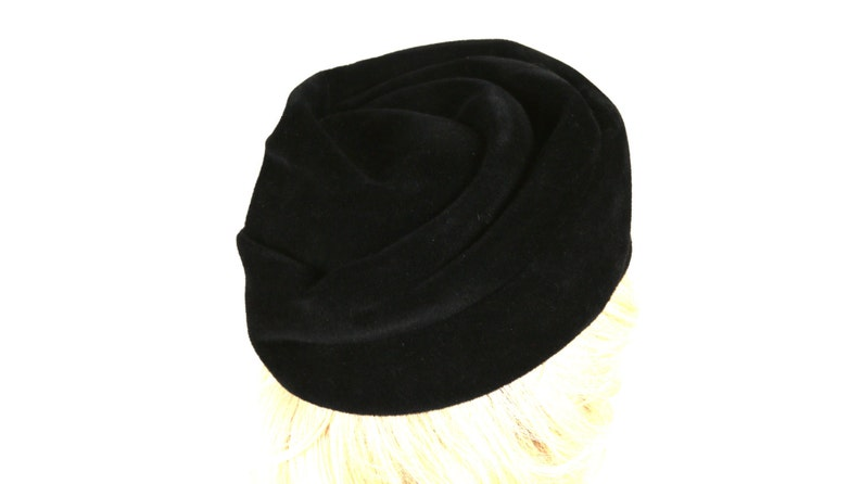 1b2760d0bcc Gotham Women s Brimless Turban Bucket Hat in Black with