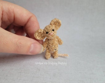 Miniature mouse, vintage style bear, fuzzy bear, jointed bear, house mouse, mini plush, dolls teddy bear, blythe toy, pullip toy.