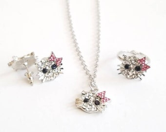 Hello Kitty, Kuromi, My Melody Birthday Pendant Sanrio Necklaces Elegant Charm Freshwater Pearls Jewelry Dainty Cute Gifts