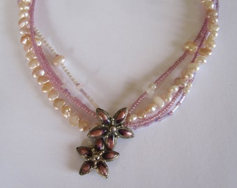 Vintage Floral pearl necklace