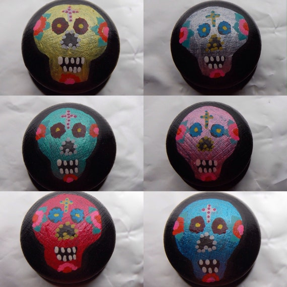 Dia de los Muertos Sugar Skull Drawer Knob/ Cupboard Handle Hand Painted 6 Colours Blue, Pink, Green, Yellow, Red, Purple 3 Sizes 30mm, 40mm