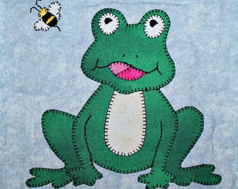 Frog or toad PDF applique quilt block pattern; North American forest woodland or swamp animal quilt; kid's or baby boy quilt block pattern