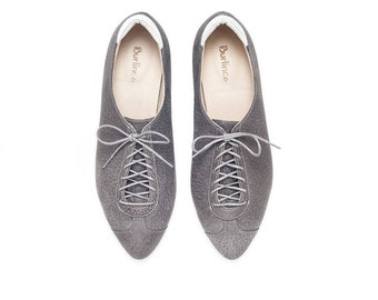 Oxford shoes, women shoes, flat shoes, oxford shoes, gray shoes, handmade leather shoes by Burlinca.. Alexander model