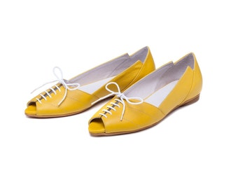 Women yellow shoes, yellow sandals, women's shoes, yellow flats, womens yellow sandals, handmade leather shoes by Burlinca. Ziggy model.