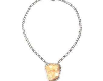 Largr honey calcite self-confidence necklace
