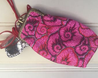 2 pair glasses case, padded, cotton fabrics, pink, red, black and white pattern lining, double kiss lock, antique bronze coloured metal