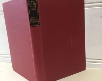 eReader cover, vintage book, pockets, elastic