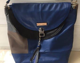 Shoulder bag, large,  nappa leather, silver  coloured metal hardware, adjustable strap, pockets, iPad/tablet carrier