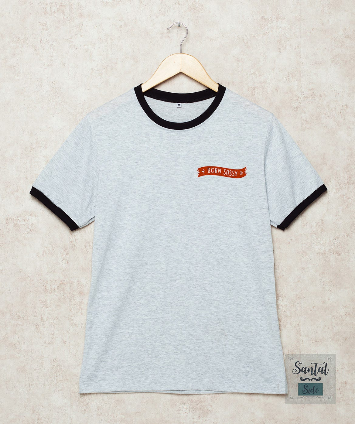 Né à Sassy chemise Sassy chemises poche poche poche T Shirt ras du cou T-Shirt Sassy depuis naissance gris Taille S, M, L, XL, 2XL, 3XL trois anneau de couleur 951e14