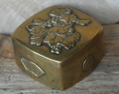 Fine Antique Bronze Japanese Meiji Era Hinged Box Applied flowers, berries , birds and blossoms