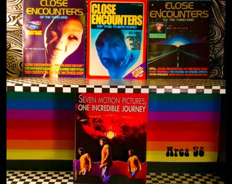Set of 3!! Vintage 1977 CLOSE ENCOUNTERS of The Third Kind POSTER Magazines