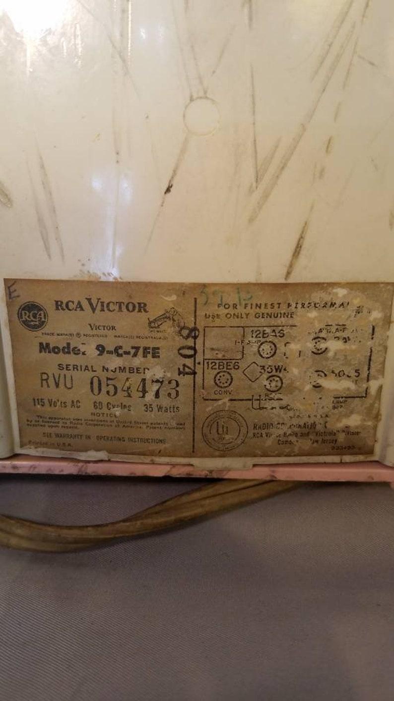 Vintage RCA Victor Clock Radio