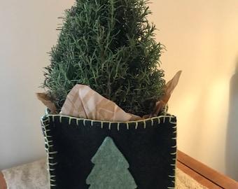 Christmas tree felted wool box