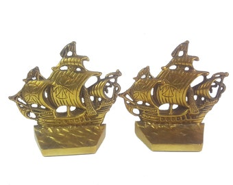 Pair of Vintage Brass Bookends, Ship Santa Maria, Christopher Columbus 1492, Rustic Home Decor, Bookshelf Decor,  Nautical Bookends