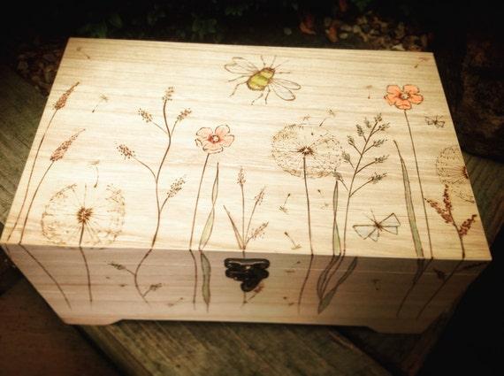 // Extras Wedding Keepsake Memory Box 12 Pink Designs PERSONALISED 4 Motifs