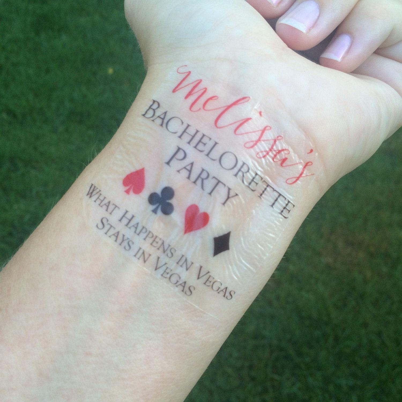 Las Vegas tatuaje de despedida de soltera se queda en Vegas