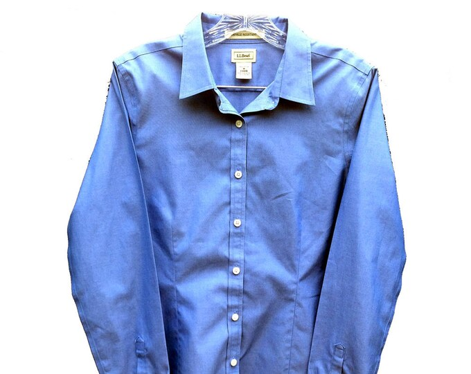 Medium Women's LLBean Wrinkle Resistant Fitted Oxford Shirt