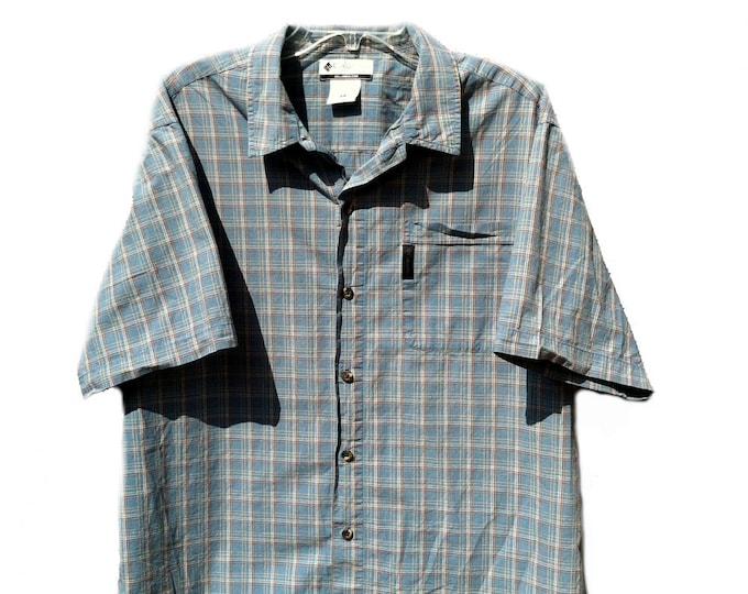 Large Columbia Sportswear Short Sleeve Shirt