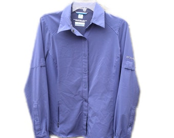 Medium Women's Columbia Omni-Wick Vented Oxford Shirt