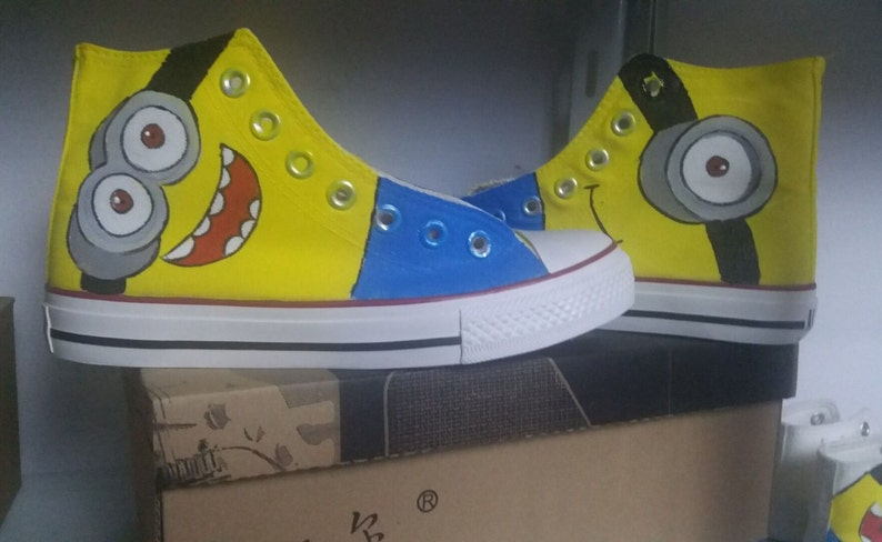 05aa71cabedc1 Customize Minions Hand Painted Shoes Hand-painted Cartoon Shoes Literature  and Art Canvas Shoes