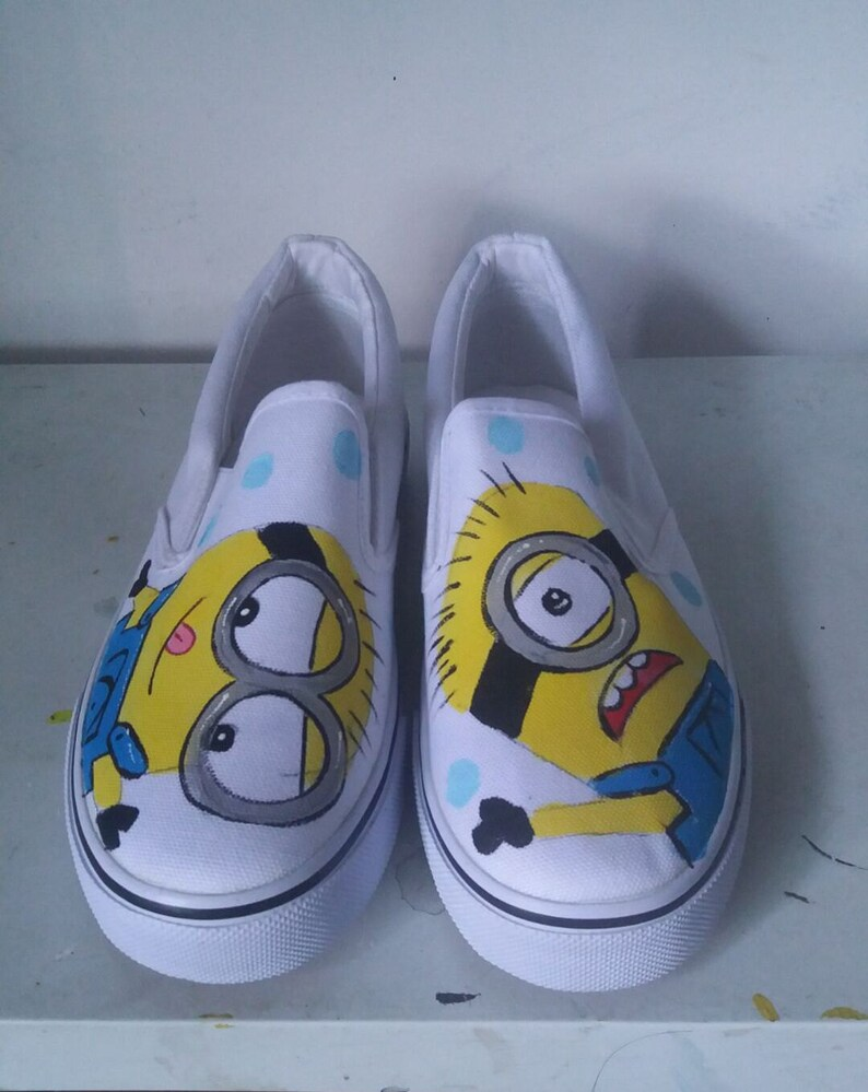 57a8cd139cba2 New Customize Minions Hand Painted Shoes Hand-painted Cartoon Shoes  Literature and Art Canvas Shoes