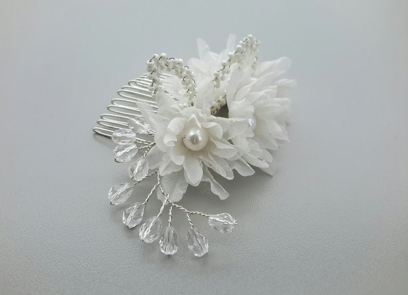 Bridal Hair Comb Wedding Hair Flower Pearl and Crystal Hair Accessories Floral Hairpiece Wedding Silk Flowers