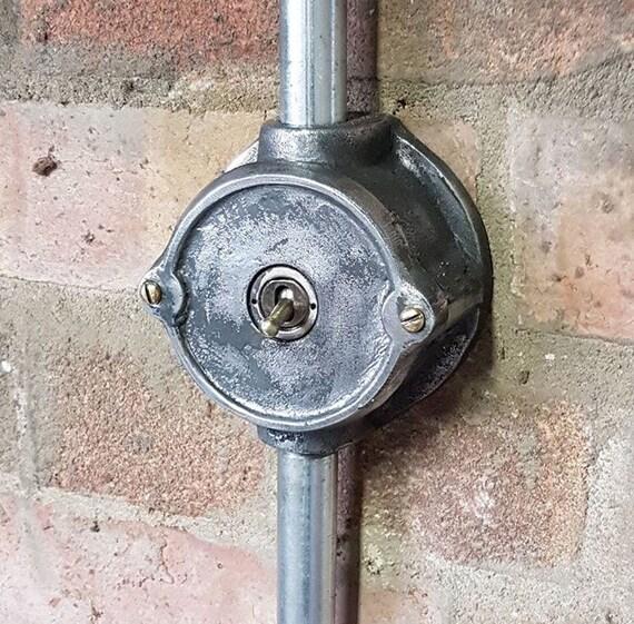 image 0 - Interrupteur Style Industriel