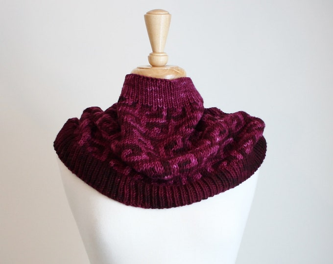 Scrolled Mosaic Cowl.  PATTERN ONLY!!!