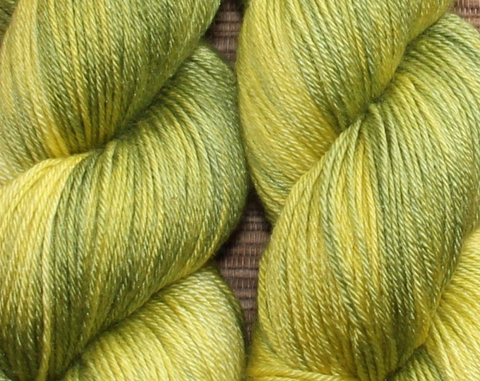 Hand dyed yarn - 100g Silk/Merino fingering weight in 'Wasabi' - With free cowl pattern