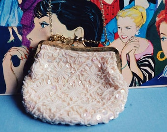 1950s Vintage Beaded Chain Purse