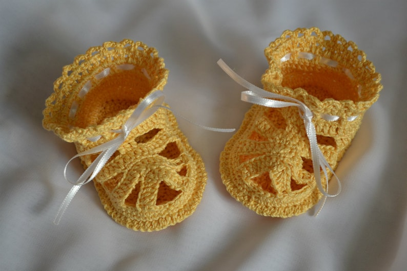 Sandals for Baby Baby shower gift Crochet Baby Shoes Apricot Baby Sandals Crochet Baby Sandals Newborn and Infant Shoes
