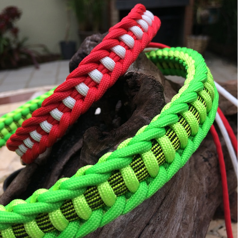 Free shipping Handmade in the USA Paracord Dog Collar