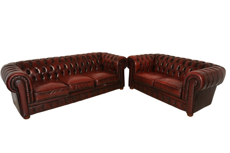 une autre chance 8c16f 68747 Classic Red Leather Chesterfield Salon Set, Includes Sofa & Loveseat,  1970's #8742