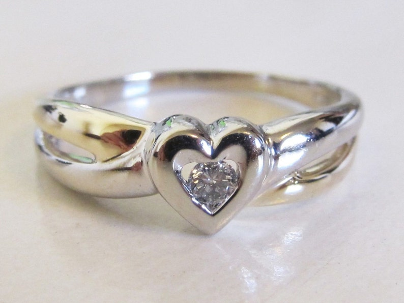 Estate 10k White Gold Diamond Solitaire Heart, Love, Promise, Engagement, &  Holiday Gift