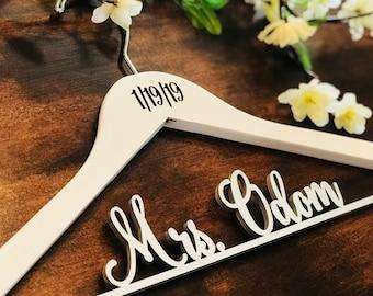 Personalized Hanger, Custom Hanger, Wire Name Hanger, Bride hanger, Bride Gift, Wood Name Hanger, Wedding Hanger, Bridal Hanger. Mrs. Hanger