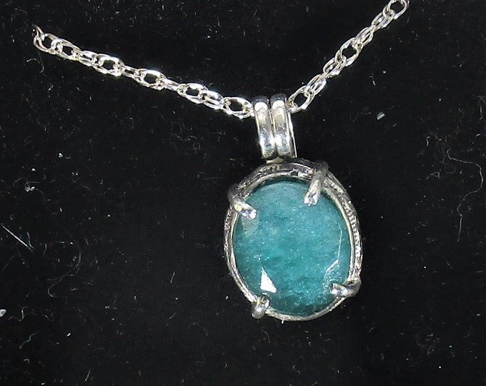 genuine green quartz gemstone handmade sterling silver pendant necklace