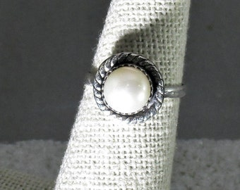 genuine freshwater cultured pearl handmade sterling silver statement ring size 5