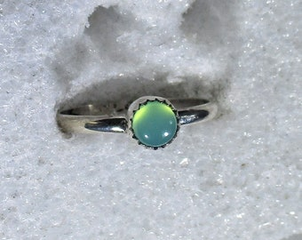 genuine 5mm chrysoprase gemstone handmade sterling silver solitaire stacking ring size 7 1/2