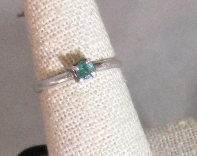genuine Columbian emerald handmade sterling silver stacking ring size 6 1/2