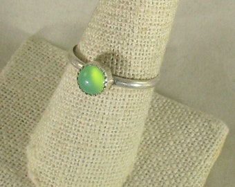 genuine Austrailian chrysoprase gemstone handmade sterling silver stacking ring size 9