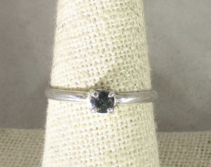 genuine green sapphire gemstone handmade sterling silver solitaire ring size 8 1/2