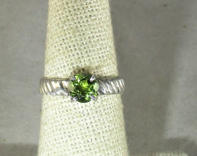 genuine peridot gemstone handmade sterling silver solitaire ring size 6