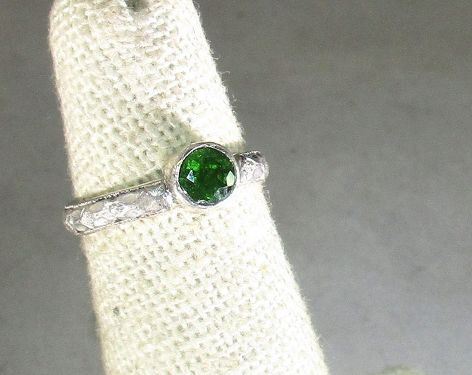 genuine Russian chrome diopside gemstone handmade sterling silver solitaire ring size 4